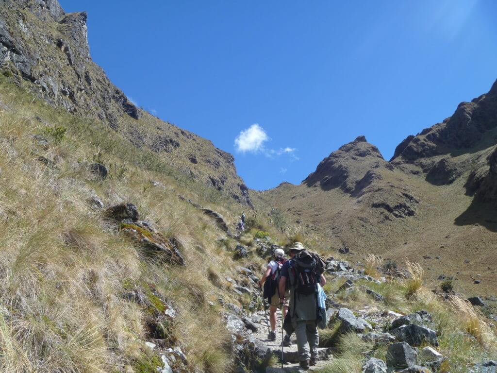 Inca trail, Warmiwañusca, Llulluchampa