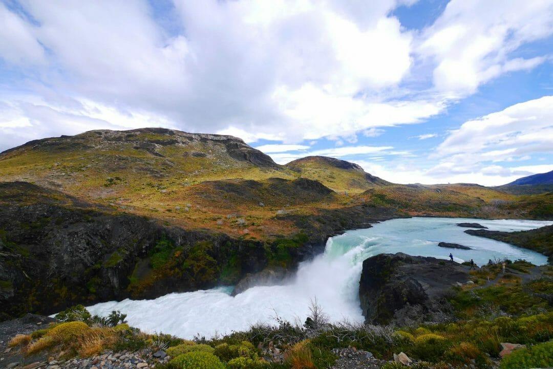 salta grane waterfall, torres del Paine national park
