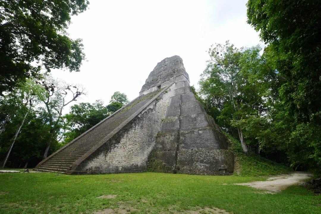 temple V reconstruction, Tikal temple 5
